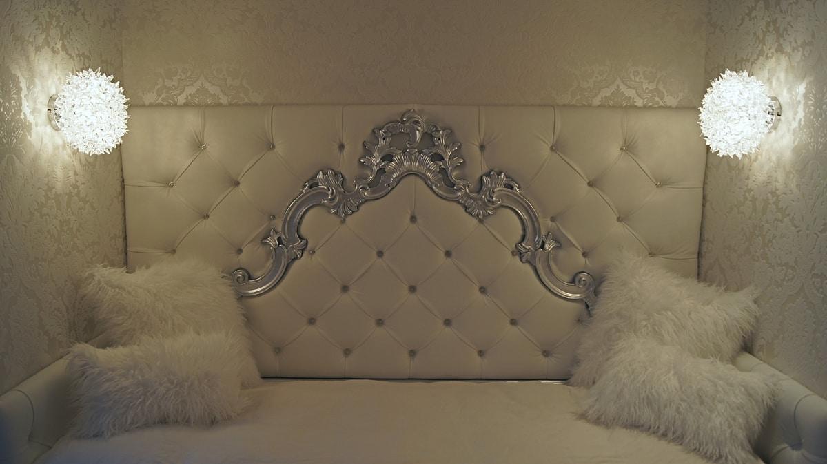Sara custom, Single bed with baroque headboard