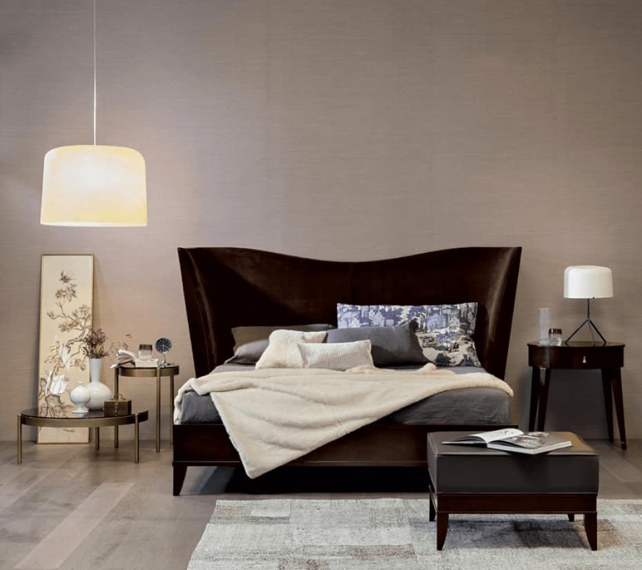 Vendome bed, Bed with enveloping headboard