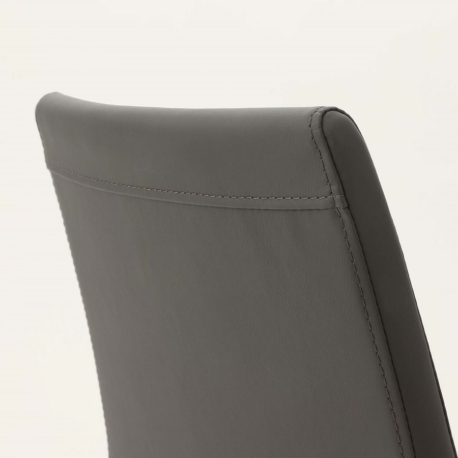 Art. 220 Naked, Comfortable padded chair, with elegant stitching