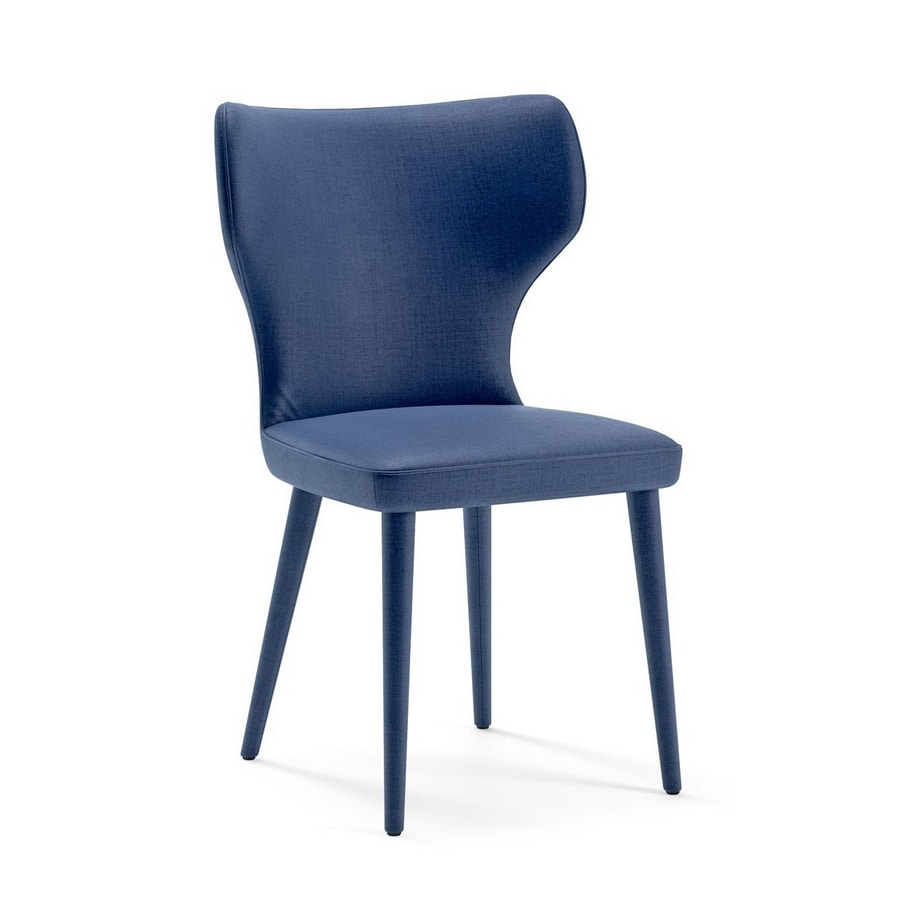 Monika, Chair with an enveloping shape