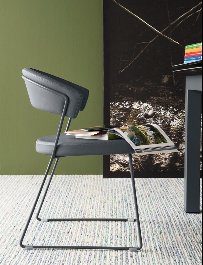 SE 231, Sled chair in metal, padded