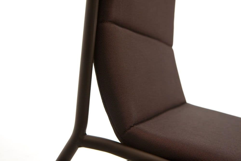 Tres, Modern metal chair with upholstered seat, light