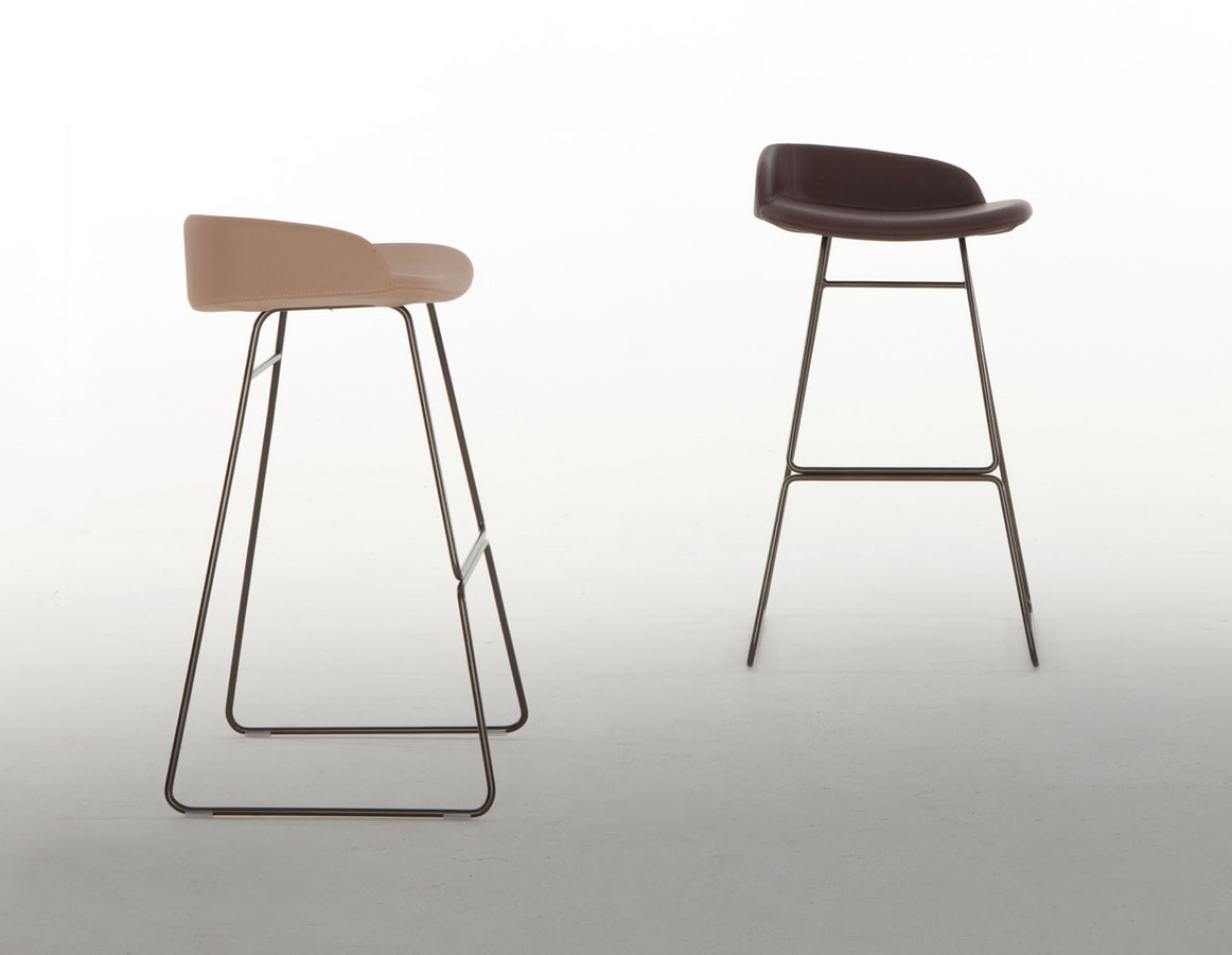BREND, Stool with sled base
