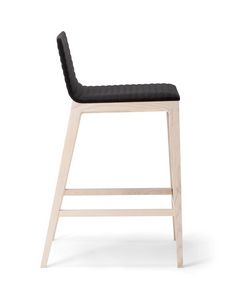 COC� BARSTOOL 015 SG, Stool with a clean design