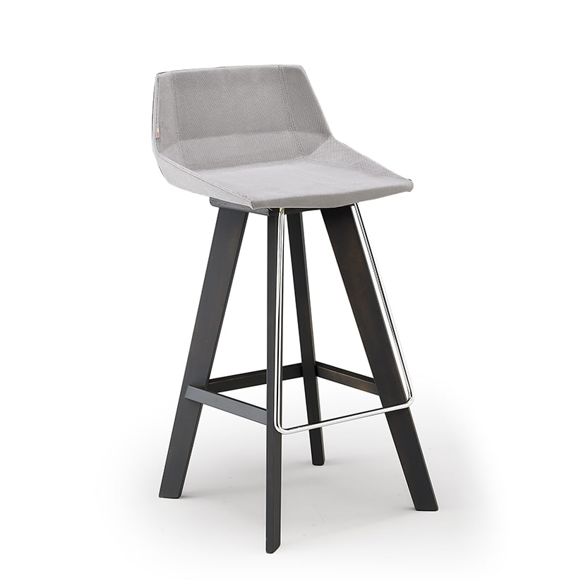 Glim-SG, Strong stool with modern lines
