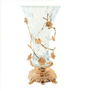 3007, Classic style vase with floral decorations