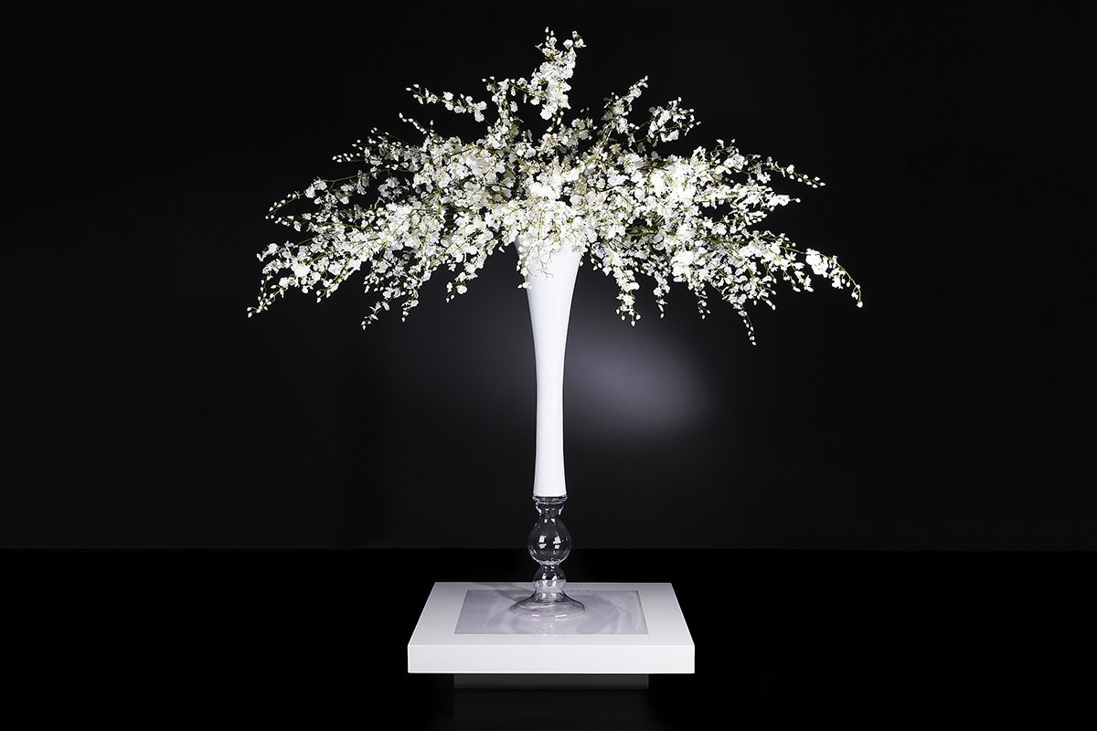 Sayonara Composition, Glass vase with artificial flowers