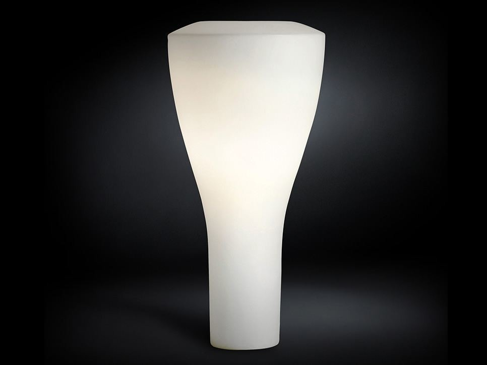 Tippy, Luminous vase for outdoor use