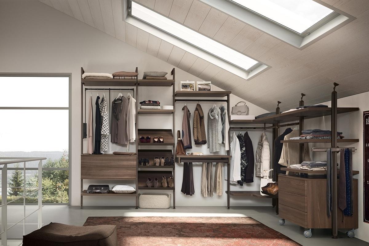 AR5711, Customizable walk-in closet