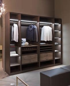 ATLANTE walk-in closet comp.09, Walk-in closet with hangers, high design