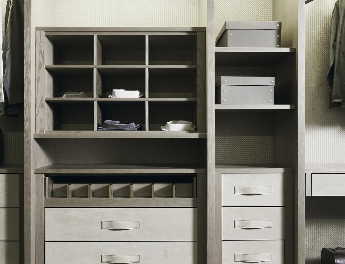 ATLANTE walk-in wardrobe comp.11, Walk-in closet in ash wood with details in nabuk