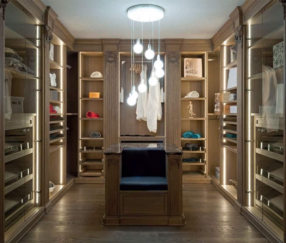 Canova walkin closet, Classic style walk-in closet