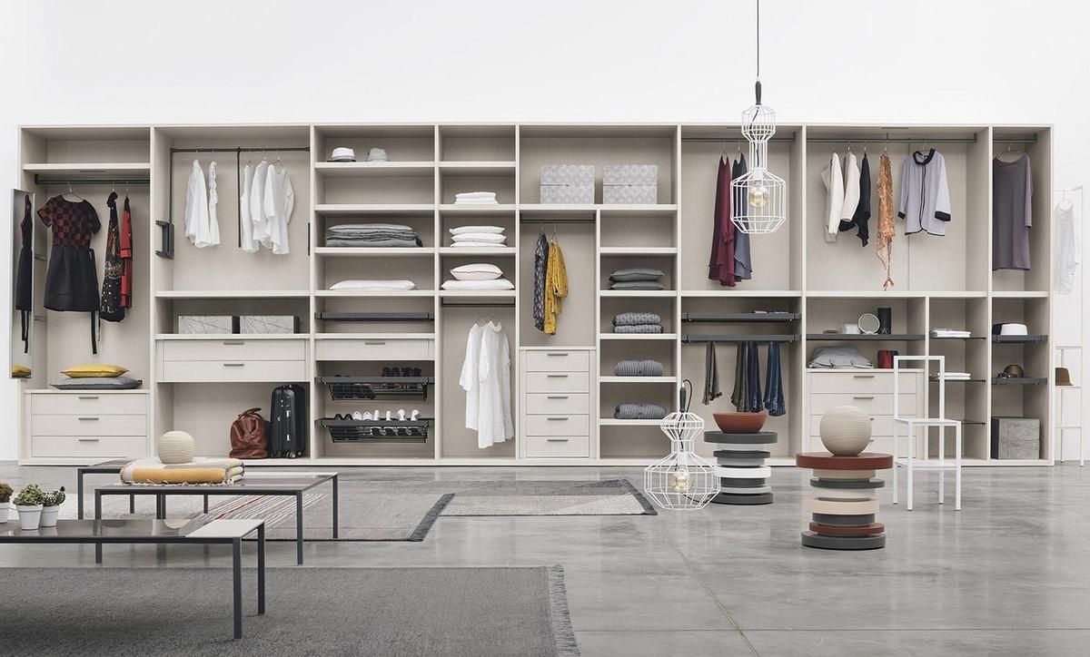 Logica, Walk-in closet with accessories