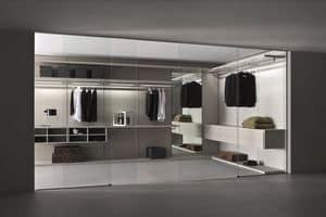 Vista, Walk-in closet with glass or wood doors