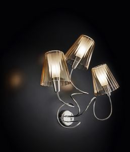 ARIA L 40, Wall lamp with 3 crystal lampshades