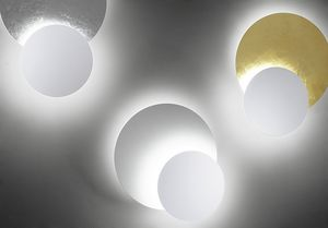 Black & White, Wall lamp with adjustable discs