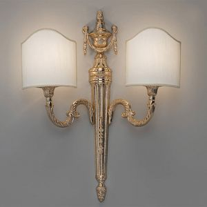 L32242, Wall lamp with classic decorations