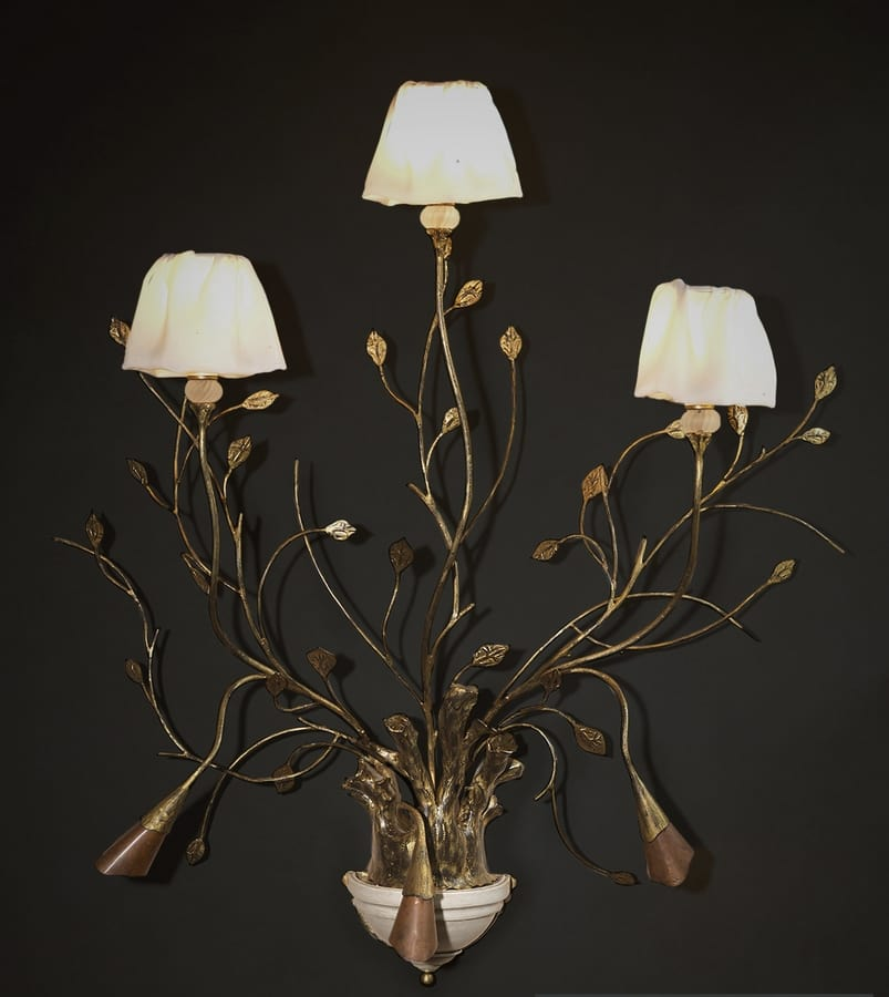 RAMI HL1008WA-3, Wall lamp in worked iron with decorative leaves