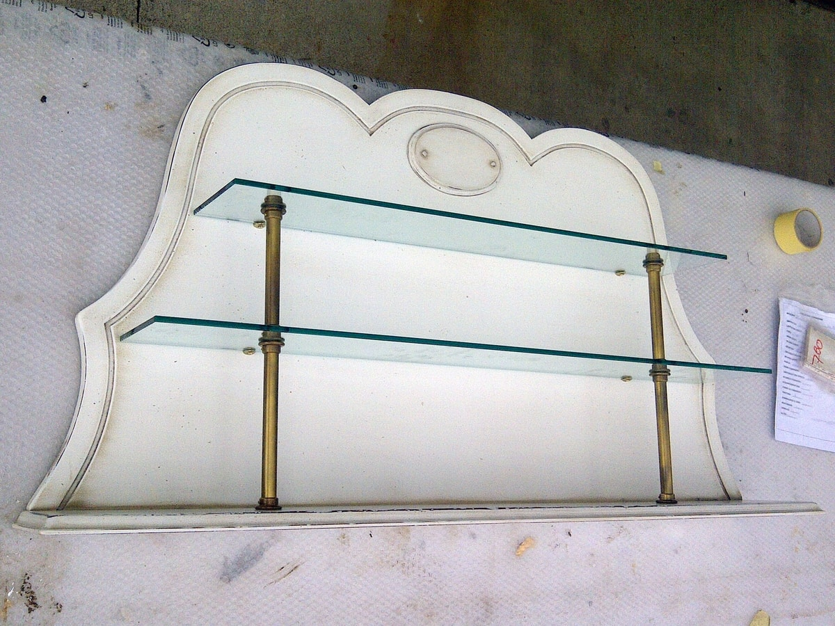 Christine BR.0702, Lacquer plate rack with 2 shelves, brass finishes