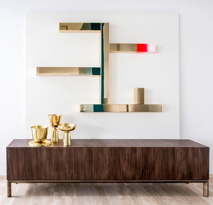 Incrocio, Shelves in steel and plexiglass
