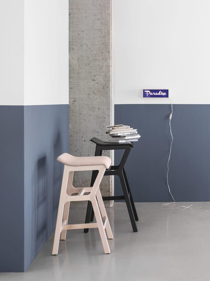 ART. 0012-H77 STOOL NHINO, Stool with beech frame