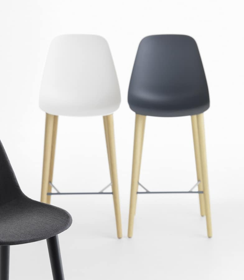 Pola Light 65-82/4W, Stackable stool with wooden legs
