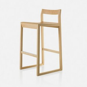 Sciza stool, Wooden stool with a refined design