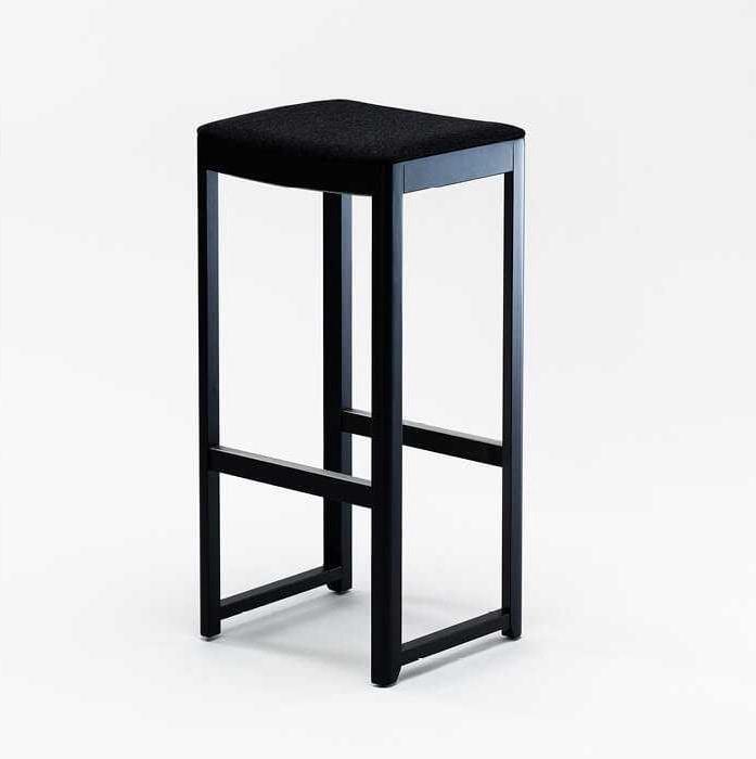 Seleri stool, Stool in wood without backrest