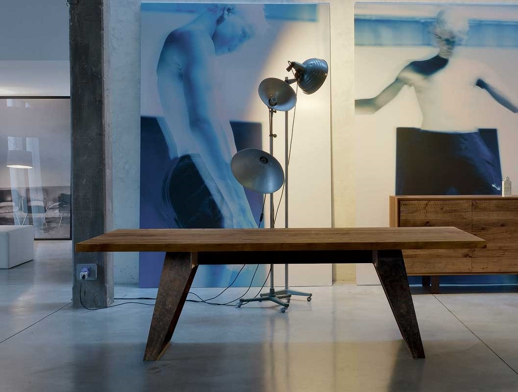 B-187, Table with solid wood top