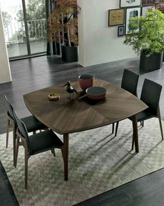 Bloom, Elegant wooden table