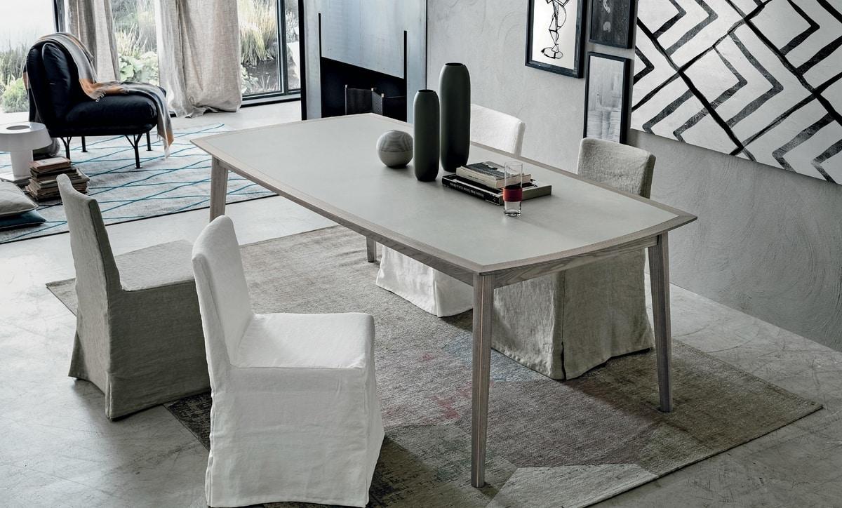 Bloom, Elegant wooden table