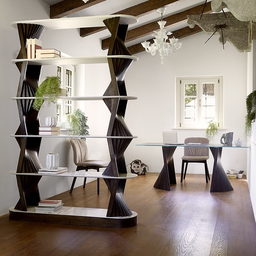 Bow, Elegant dining table