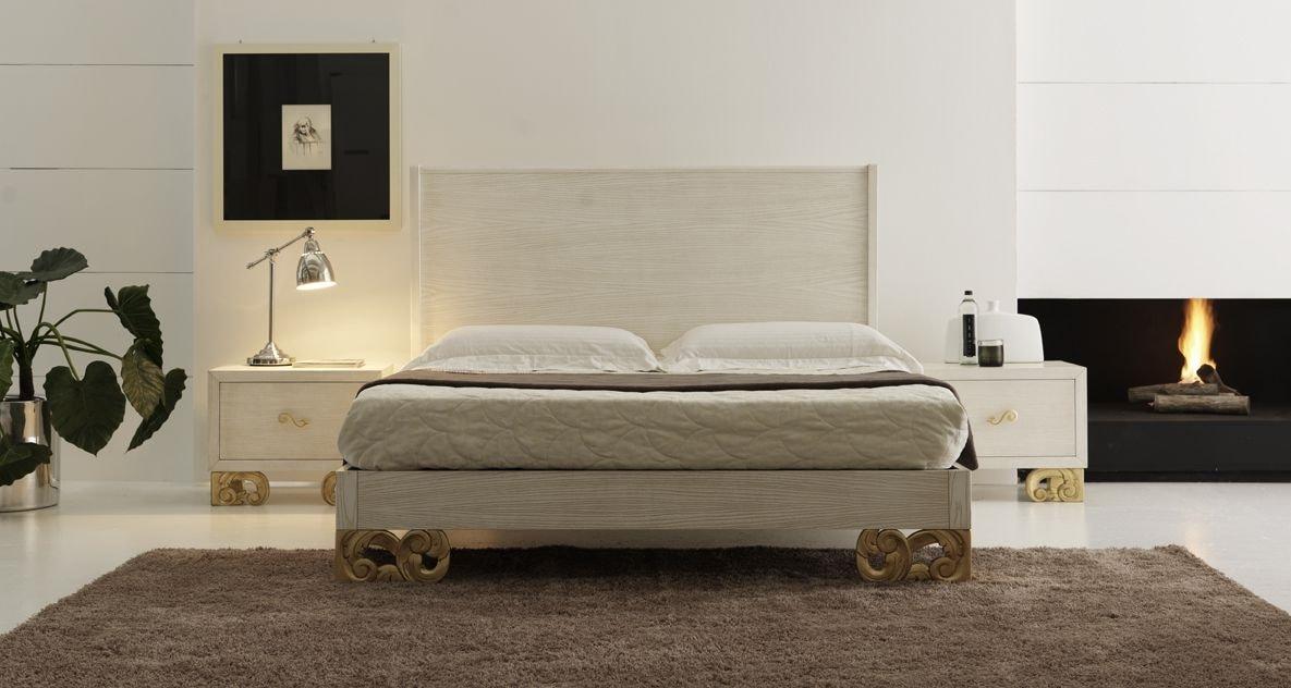 Allegra carved foot bed, Sandblasted wooden bed