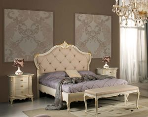 Art. 3802, Elegant bed with handcrafted carvings