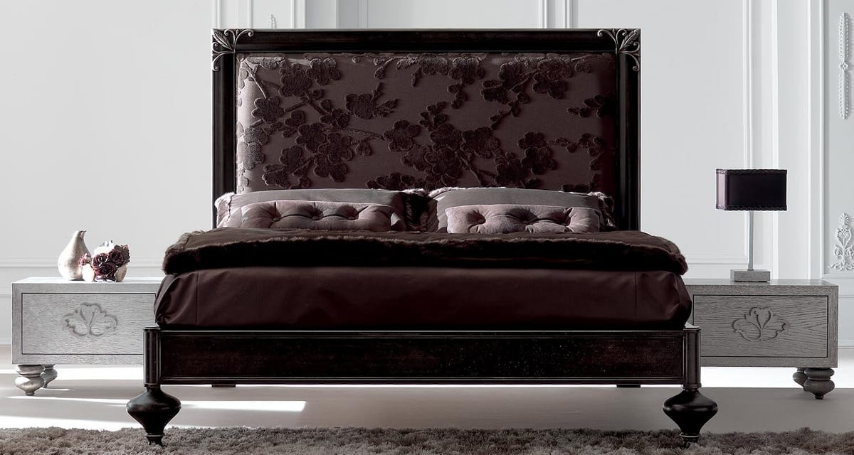 Linda Art. 907, Wooden bed with a refined neoclassical line