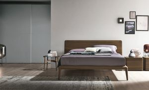 Prado, Wooden bed with slightly curved headboard