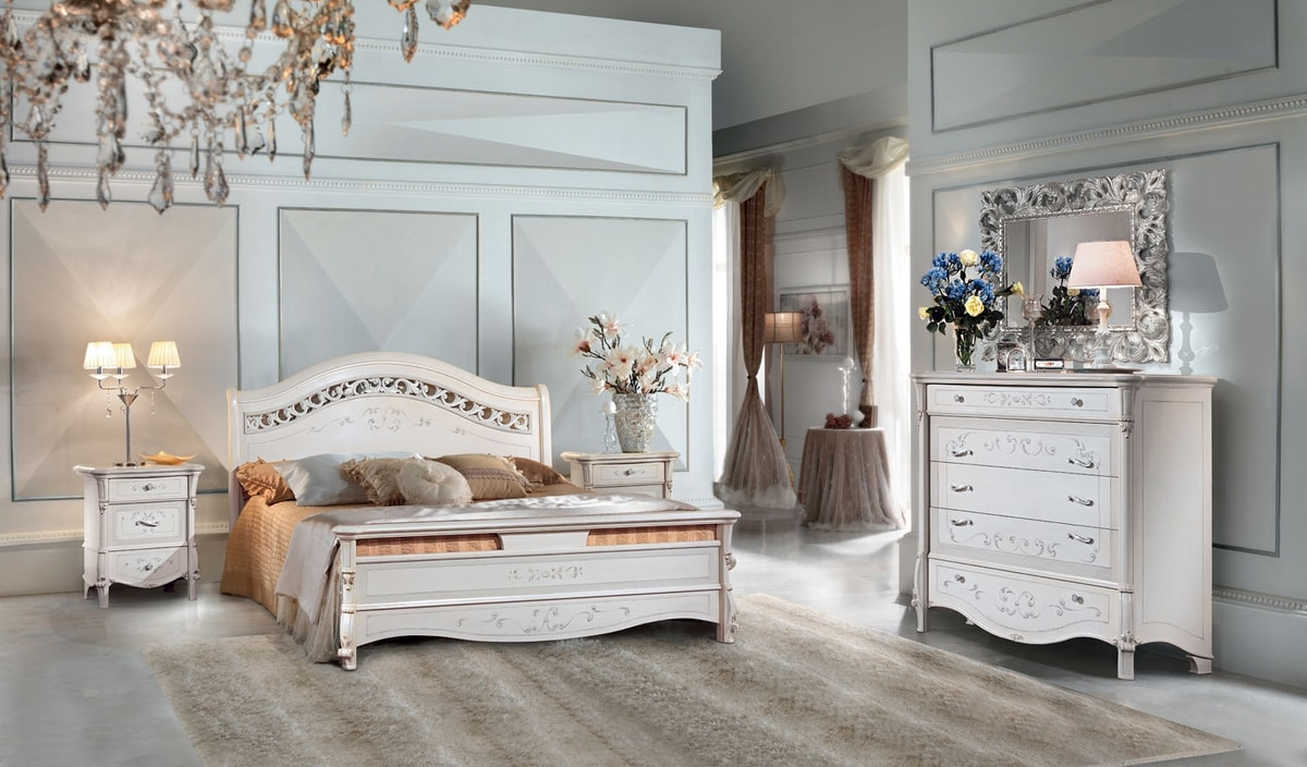 Prestige Art. 301 - 303, Bed with carved headboard