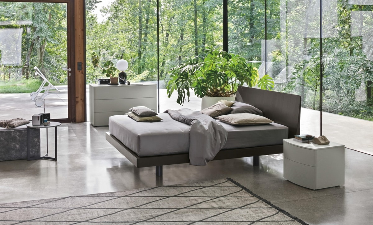 Roger, Wooden bed, with a modern design