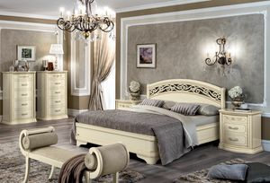 Torriani bed, Bed with carved headboard