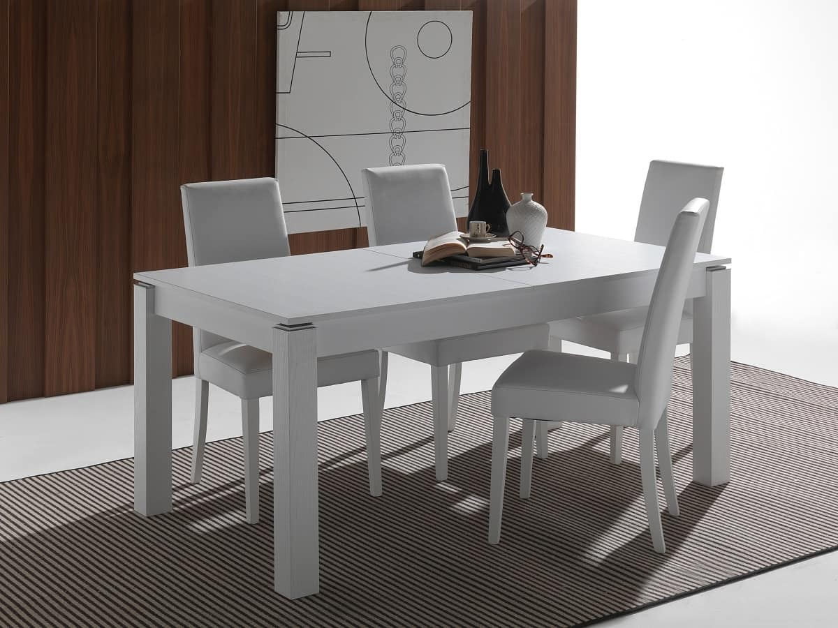 Art. 628 Rialto, Extendable table made of solid wood lacquered