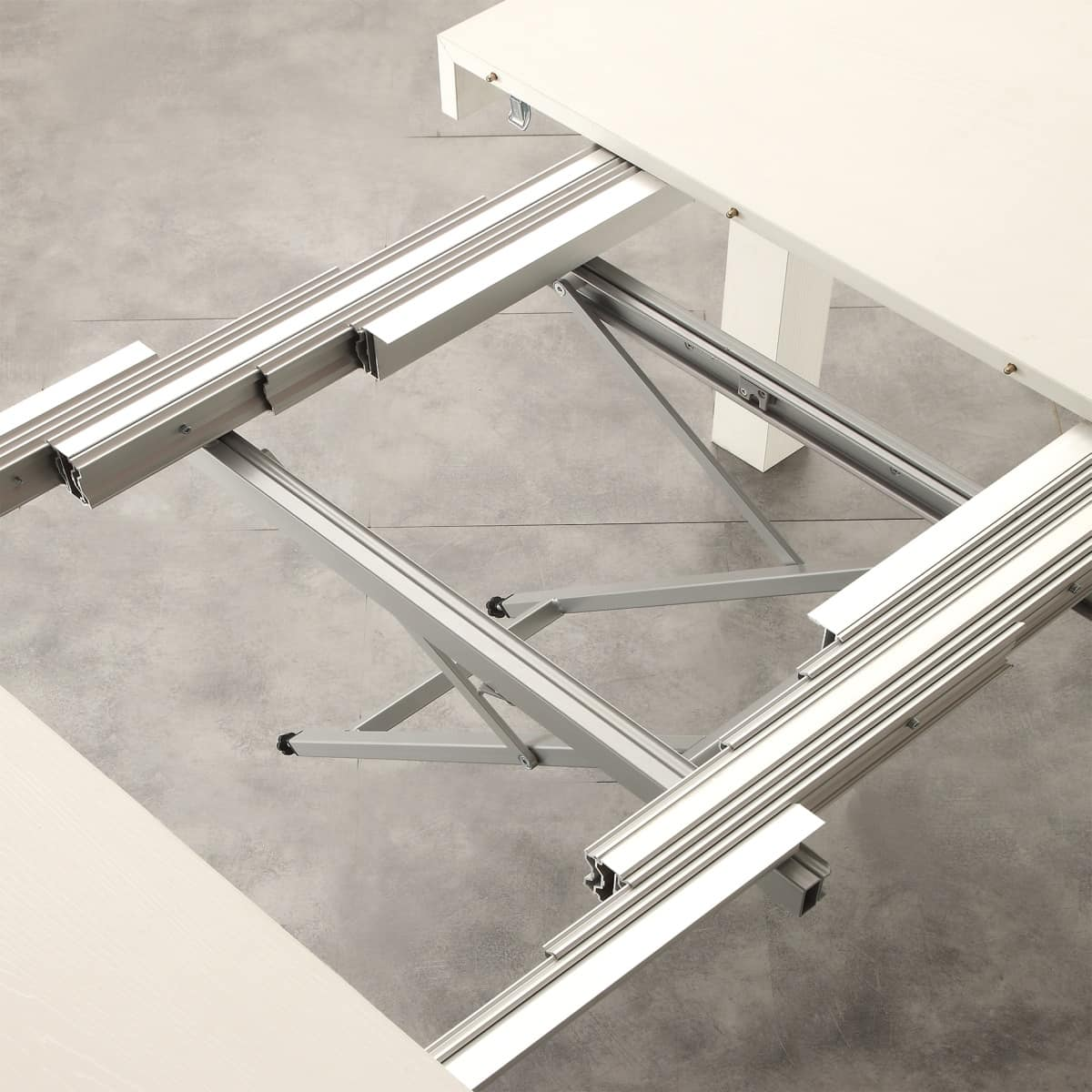 Art. 634 Aladin, Extendable table with various extensions, made of wood