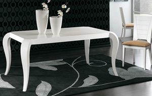 Art. 678, Elegant dining table