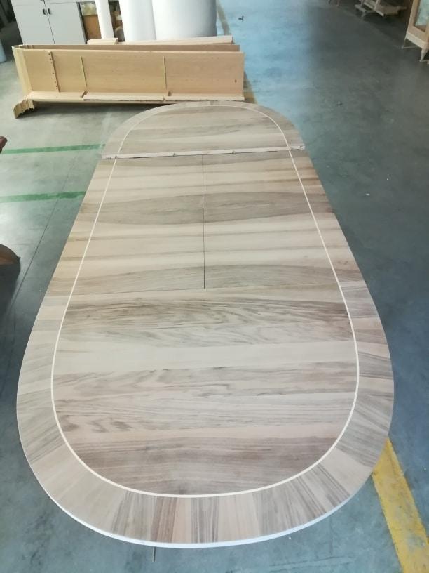 Metz VS.5525, Louis XVI oval extendable table