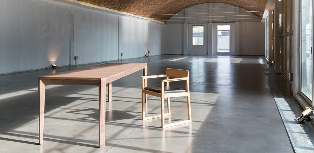 Montalban 5725/F, Extendable table in ash wood