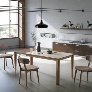 Vigo, Essential and versatile table
