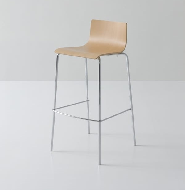 Lilà ST 69/79, Ergonomic stool in curved wood