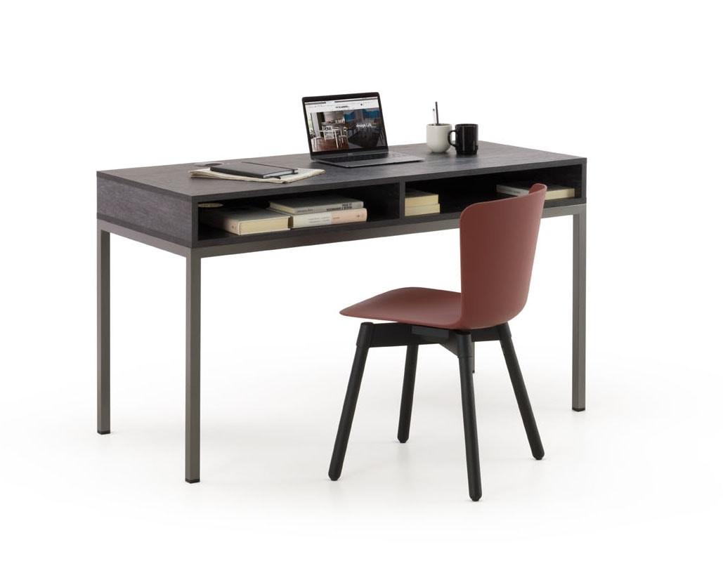 a112 socrate, Desk with a modern design