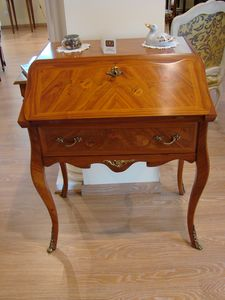 Art. 141, Dsk with big drawers and fold-out top