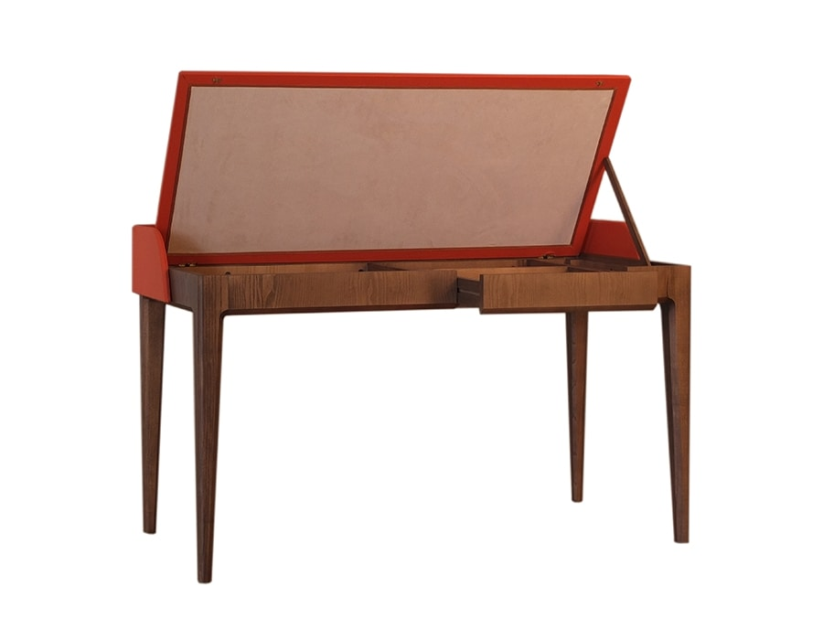Bellagio 5002/F, Desk with flap top covered in leather