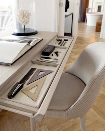 G-150 G-650, High build quality writing desk